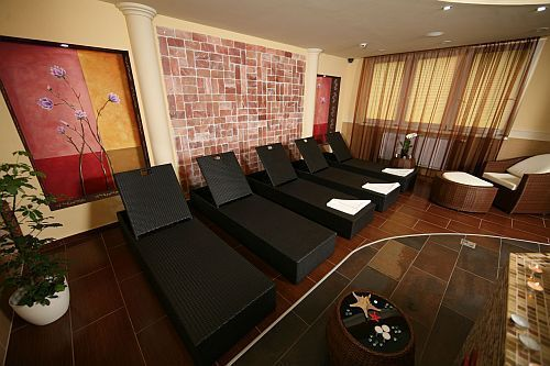Hotel Kalvaria in Gyor, Hungary with 3- and 4-star rooms - massage treatments